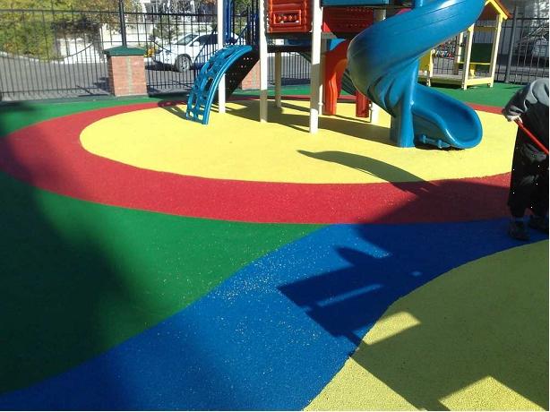 Материал покрытие для детских площадок